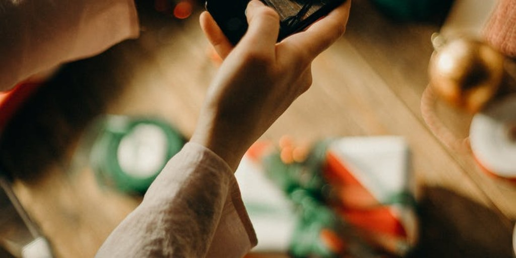 Get your #WarringtonBusiness on Santa's good list by staying connected over the festive period #telecoms tips